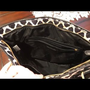 Vera Bradley Bags - Vera Bradley Ikat Spots Ella Tote